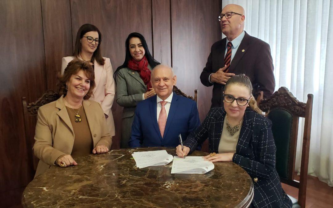 Iprade assina termo de cooperação com a Procuradoria da Mulher da Assembleia Legislativa