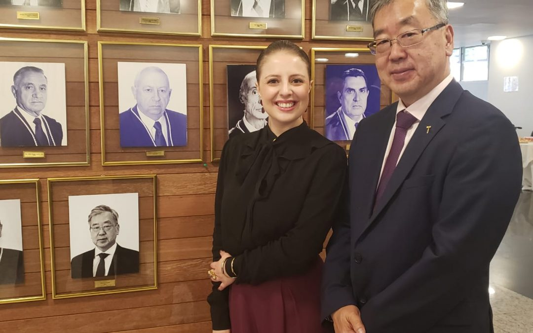 TRE-PR homenageia ex-membros e servidores com Comenda do Mérito Eleitoral Paranaense
